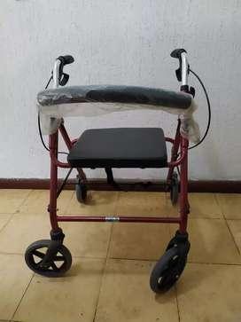 Se vende Caminador ortopedico y bastón ortopedico para adulto mayor