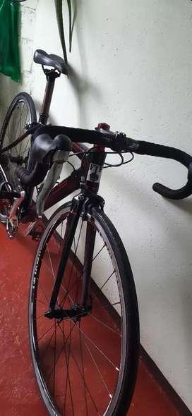 Se bende bicicleta de ruta.