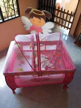Se vende corral para niña en buen estado y a buen precio