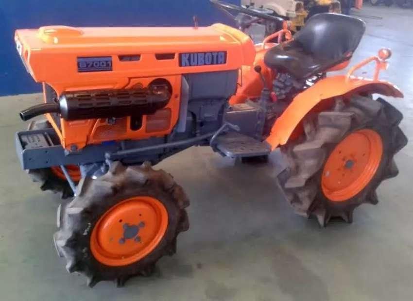 Tractor agricola minero KUBOTA 4x4 16 HP diésel japonés importado poco uso modelo B7001DT 0