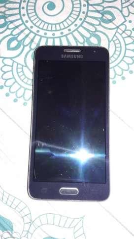 Vendo 3 Celus Samsung a3 Samsung galaxy a7 y un LG