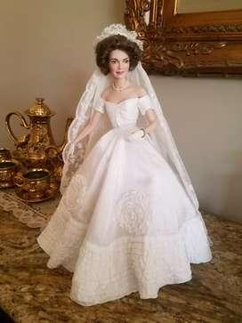 Jacqueline Kennedy, muñeca de novia de porcelana de lujo. Colección  Franklin Heirloom dolls