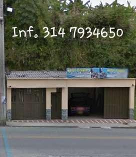 Se vende casa de 1 planta con local de gran tamaño  en Quimbaya Quindio