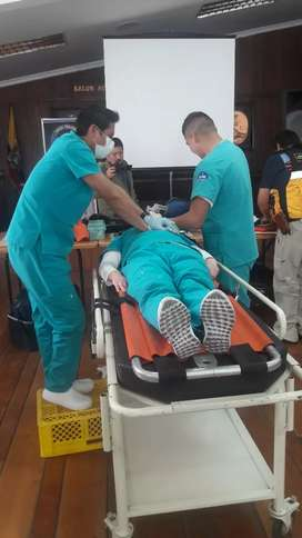 Auxiliar d enfermeria
