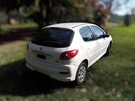 Peugot 207 compact 1.4 Allure 5 puertas, 2014, 99'550km, única dueña