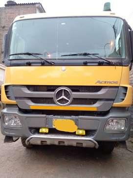 Volquete Mercedes Benz Actros 3344K 6x4 Año 2011