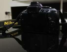 Nikon  D5300 Camara Semiprofesional esta 910 poco uso