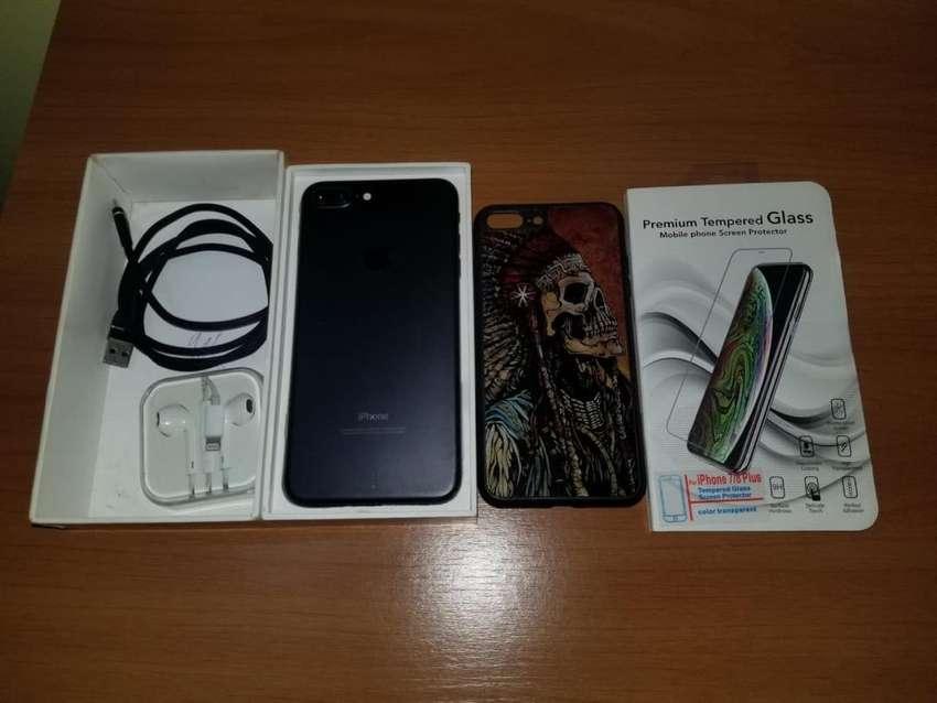 Iphone 7plus 32gb+Auriculares+Vidrio tenmplado+USB+1 fundita 0
