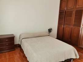 Arriendo habitacion con bano privado para dama