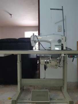 Máquina de coser plana Singer