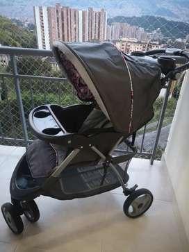 Coche + silla Marca Baby Trend