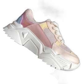 Zapatillas rosa con blanco