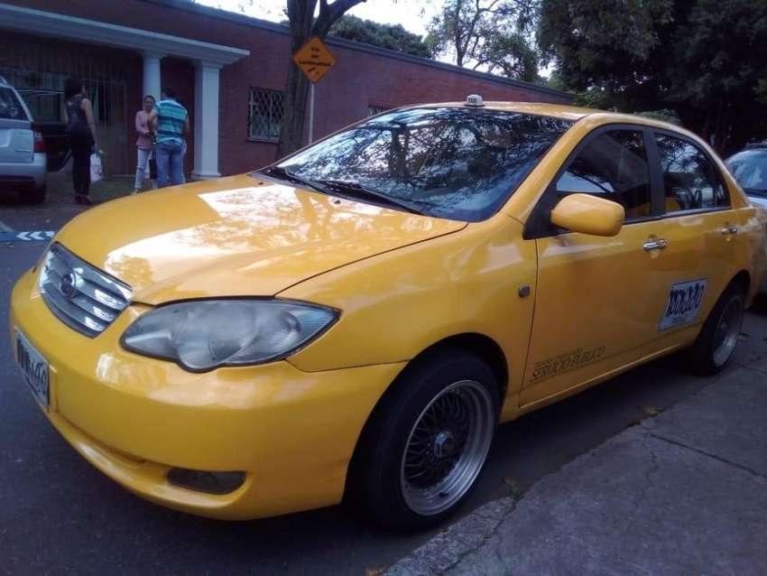 Vendo Taxi BYD 2014 de Envigado 0