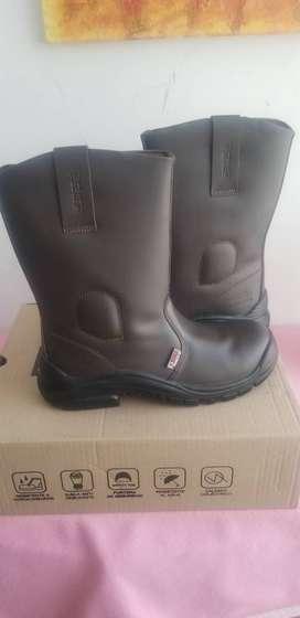 (2) Pares de botas de seguridad 3025.