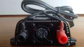 Inversor de corriente de 200W Black+decker. Modelo No. PI200AB