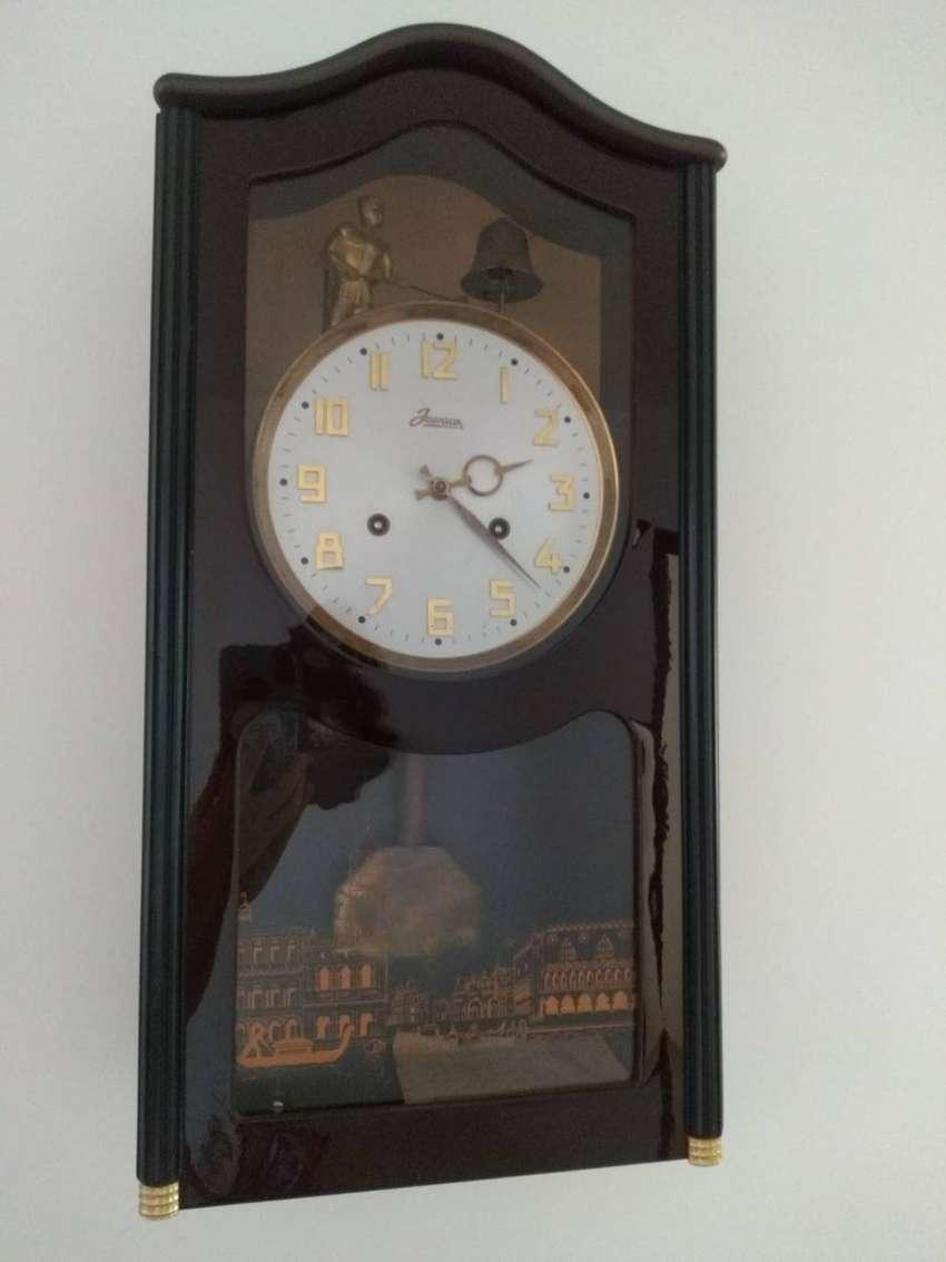 Vendo reloj antigüo