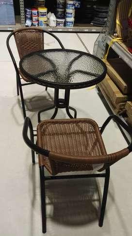 OCASIÓN 1 Mesas y 2 sillas Terraza
