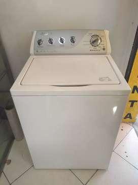 Lavadora Whirlpool 40 libras usada en muy buen estado