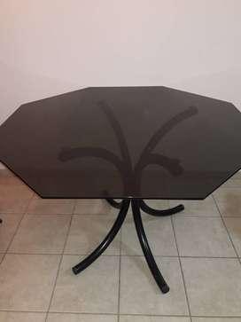 Mesa de vidrio negro