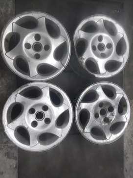 Llantas de aleación originales de Peugeot 406