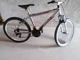 Vendo bicicleta con componentes Shimano