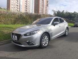 Vendo Mazda 3 Touring modelo 2017 mecanico