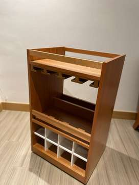 Minibar en madera color natural/blanco