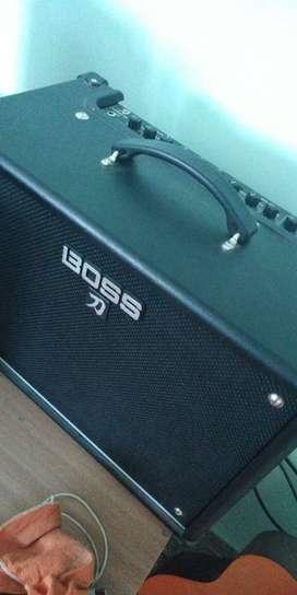 VENDO: guitarra electrica, estuche, amplificador, correa y clables