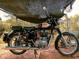 Vendo moto clásica Royal Enfield excelente estado papeles al día.