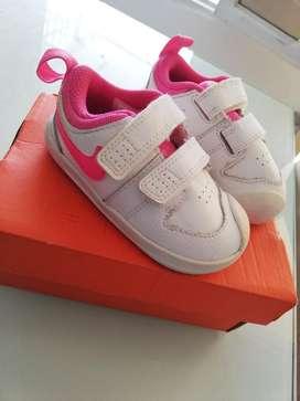 Vendo zapato nike de niña originales