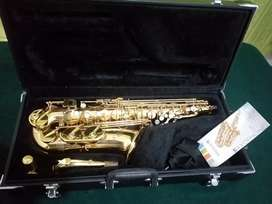 Saxo Alto Jupiter JAS 567-GL
