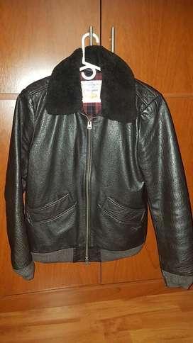 chaqueta cuero marca CHEVIGNON