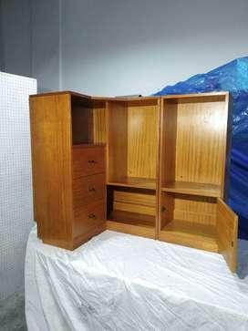 Mueble esquinero de roble