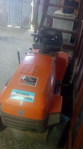 Tractor cortador de pasto 2014 motor 12h