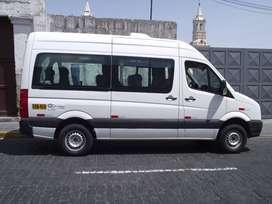 Se vende camioneta Volkswagen Modelo Crafter, Año 2013, Vehículo Comercial para Transporte de Personal o Turismo.
