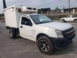Camioneta 2012 ,furgon ailado  ,termo kigg