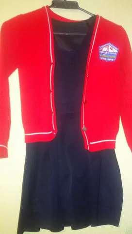 Vendo uniforme del colegio pestaloziano