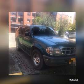 Ford Explorer modelo 1997 4x4 Hermosa