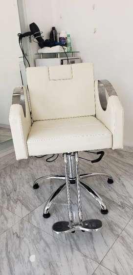 Mantenimiento y reparación de sillas hidráulicas de oficinas, peluquerías, sillas de ruedas y más