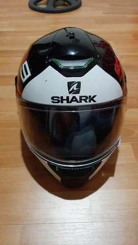 Casco shark Skwal