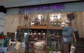 Local 221 del Centro Comercial Campanario, segundo piso, actualmente Estanciatex