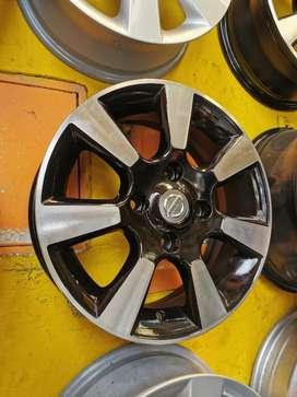 Rines 15 de Nissan tida originales