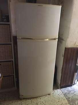 Heladera con Freezer Eslabon de Lujo y cocina