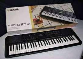 Teclado Yamaha PSR-E273 con base y teclado