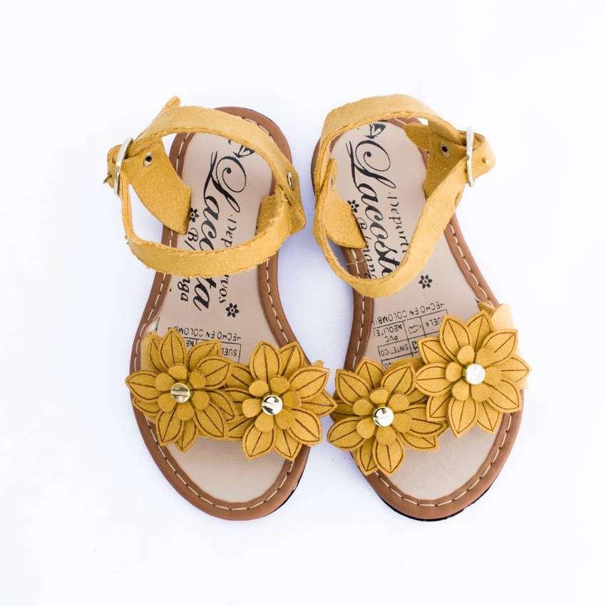 Sandalia Para Niña Estilo Flor Bucaramanga