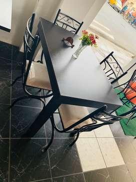 Comedor de 4 sillas hermosos