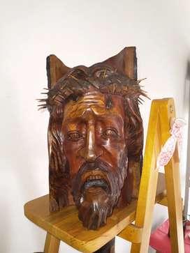 Cabeza de cristo tallada en madera