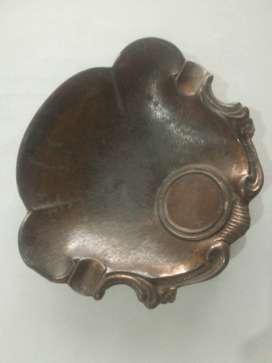 Senisero antiguo tallado tipo concha