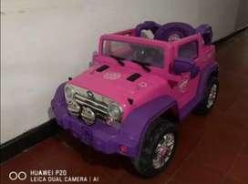 Carro eléctrico para niña Jeep