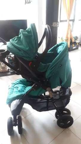 Vendo coche y asiento para carro  de bebe en muy buen estado